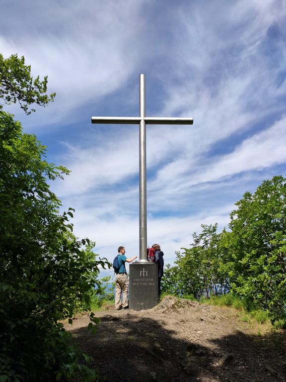 Križ Hrvatskim mučenicima